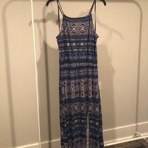 Forever 21 blue print maxi dress